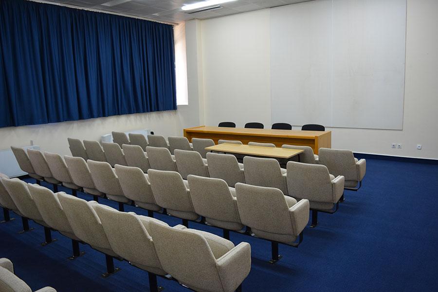 institut-igalo-Saal-adratik