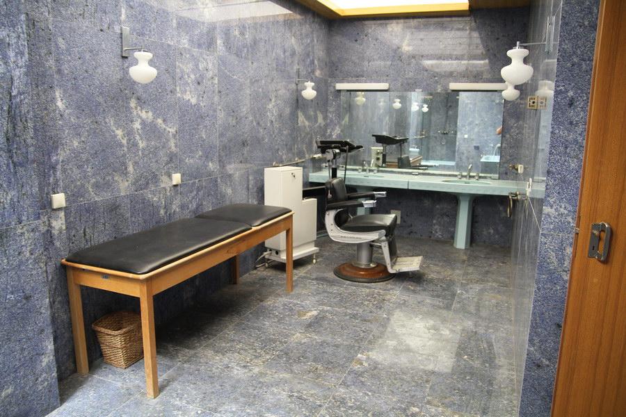 institut-igalo-titova-vila-galeb-kupatilo